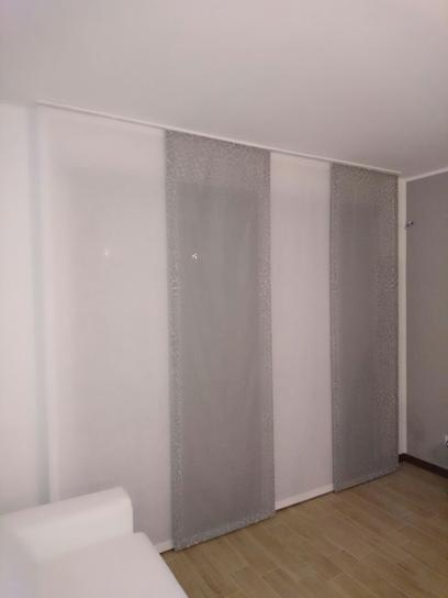 Pannelli tende con discrezione queste tende a pannelli for Pannelli coibentati lisci prezzi